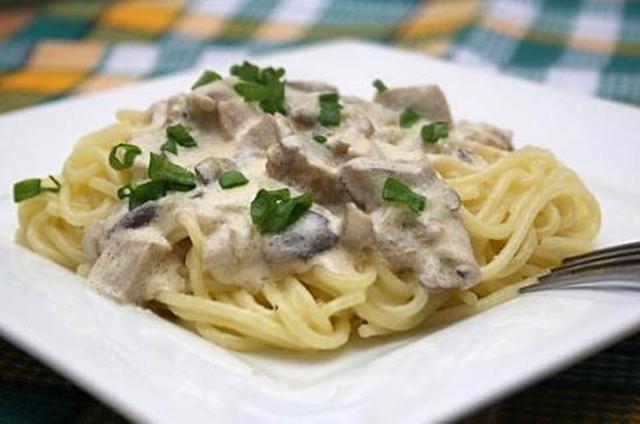 Especial salsas para pastas 2 la saz n la llevo en la - Como se hace la salsa pesto para pasta ...